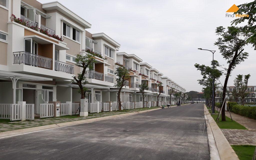 Một số khách hàng đã nhận nhà và đang thi công nội thất. Block H View Công viên - Dự án Nhà phố Lovera Park Bình Chánh