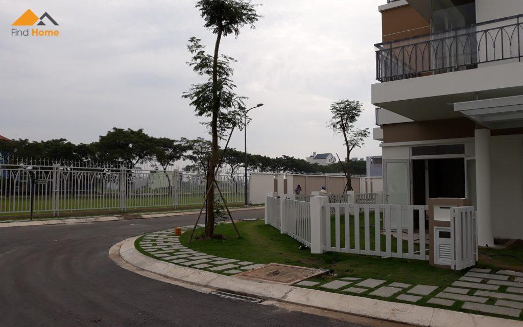 Block L view Hướng vê trường Tiểu học Phong Phú 4, đường số 9 - Nhà phố Dự án Lovera Park Bình Chánh