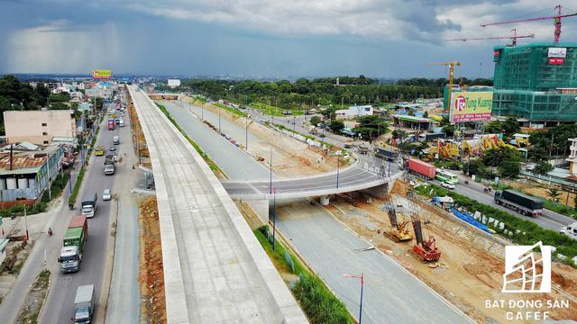 Dự án hầm chui Xa lộ Hà Nội đang đẩy nhanh tiến độ thi công, dự kiến hoàn thành và đưa vào sử dụng trước tết âm lịch.