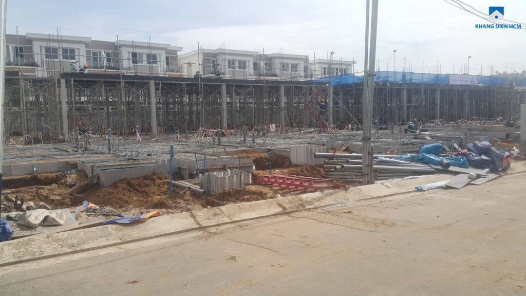 Một phần Block L đang thi công cốt pha để đổ sàn tầng 1. Ảnh Khang Điền HCM