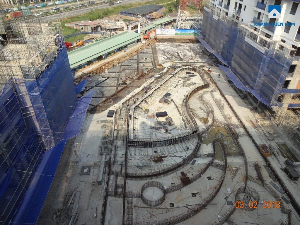 Đơn vị xây dựng đang tạo khung cho phần tiện ích dự án bao gồm: hồ bơi và công viên tiện ích.
