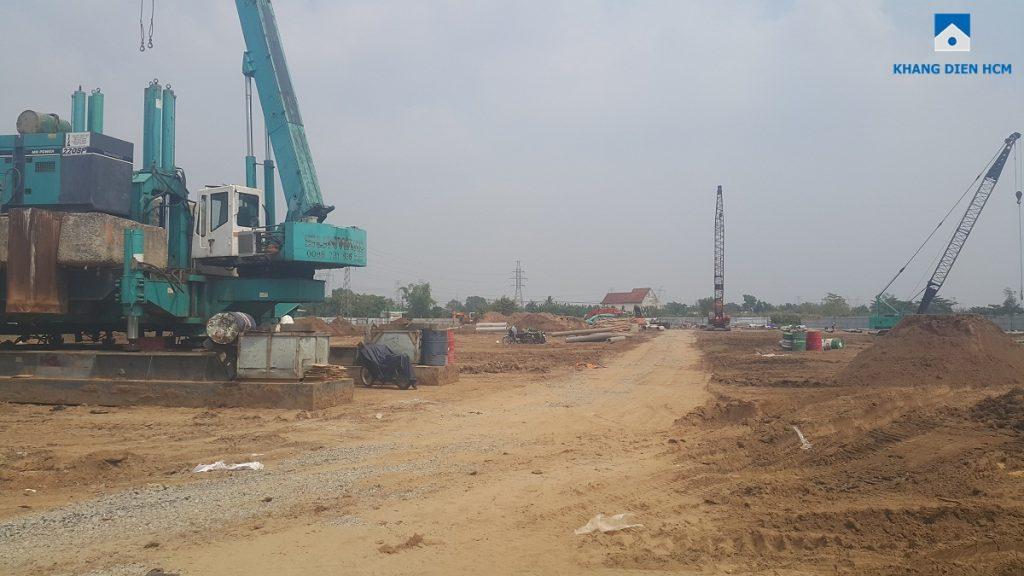 Khu 3 và 4 Dự án nhà phố Lovera Park Bình Chánh đang ép móng cọc. Ảnh: Khang Điền HCM