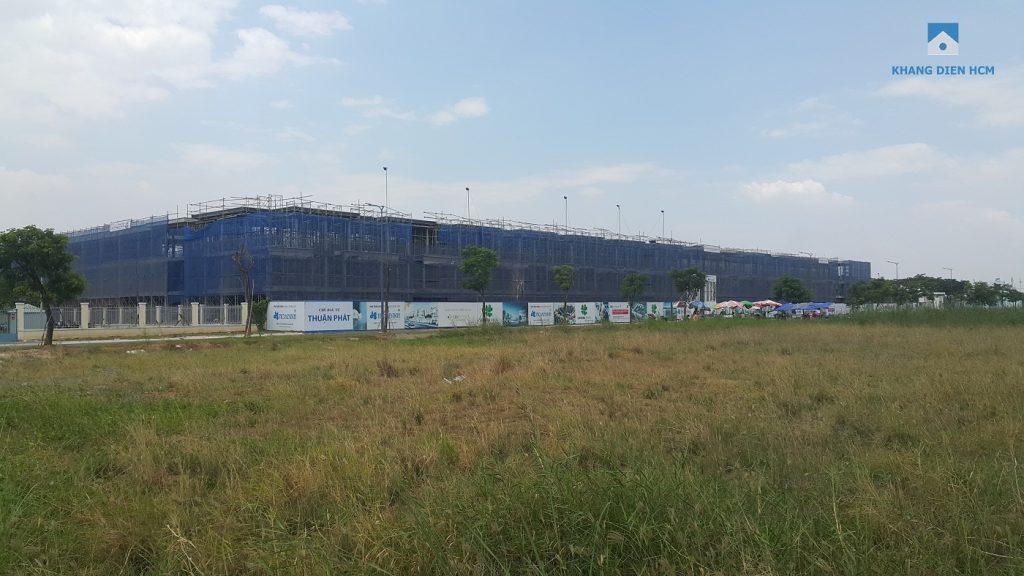 Block L đang dần hoàn thiện nhìn từ hướng đường Tân Liêm - Khang Điền HCM