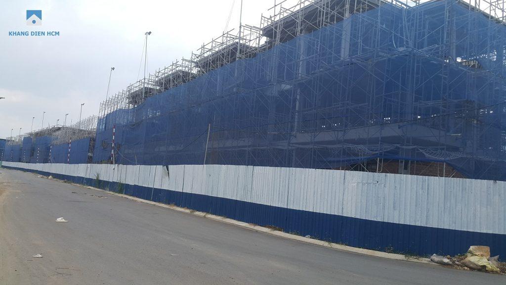Block E đối diện hồ bơi đã dần thành hình khi CĐT đã đỗ xong phần mái - Khang Điền HCM