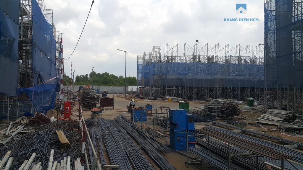 Block D đang tiến hành dựng cột đỗ tầng 2. Khang Điền HCM