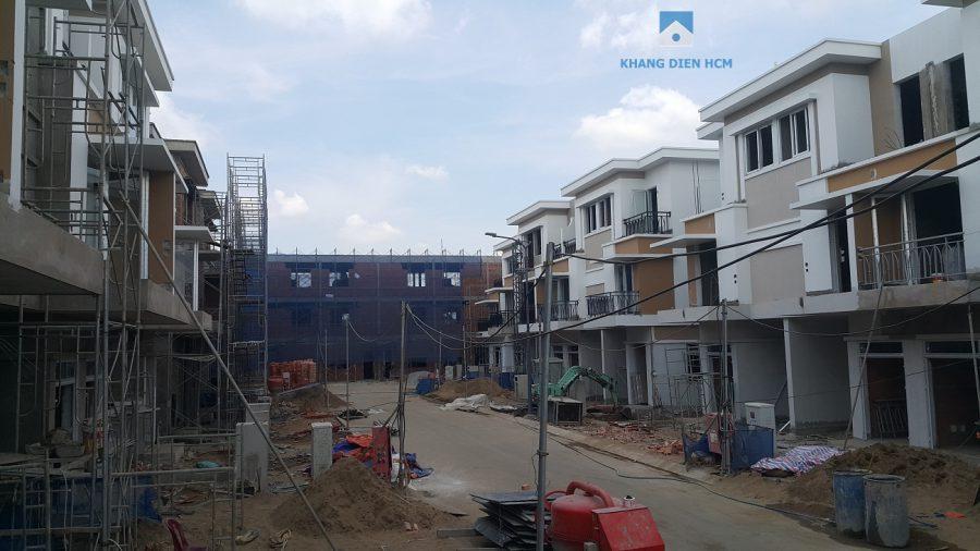Block L đang hoàn thành những công đoạn cuối cùng, khách hàng có thể nhận nhà vào tháng 08/2018. Khang Điền HCM