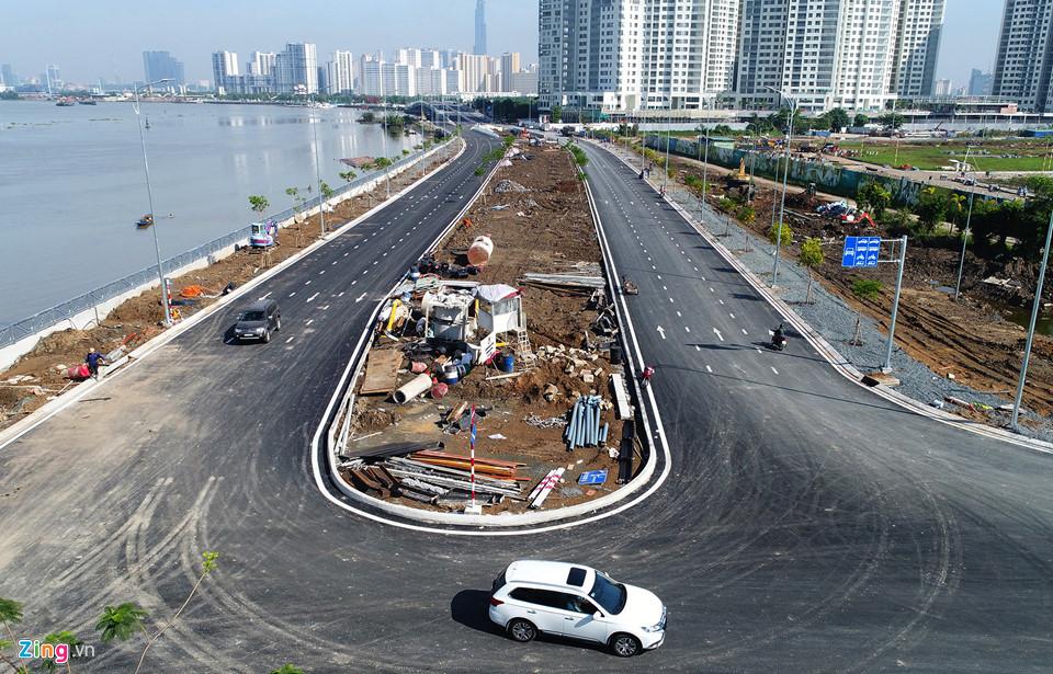 Lối vào từ phường Thạnh Mỹ Lợi được xây dựng 2 làn xe 2 chiều. Dự án còn xây kè dọc sông, đường ven sông Sài Gòn nối tiếp đường ven sông hiện hữu và hệ thống đèn chiếu sáng, cây xanh...Khang Diend HCM