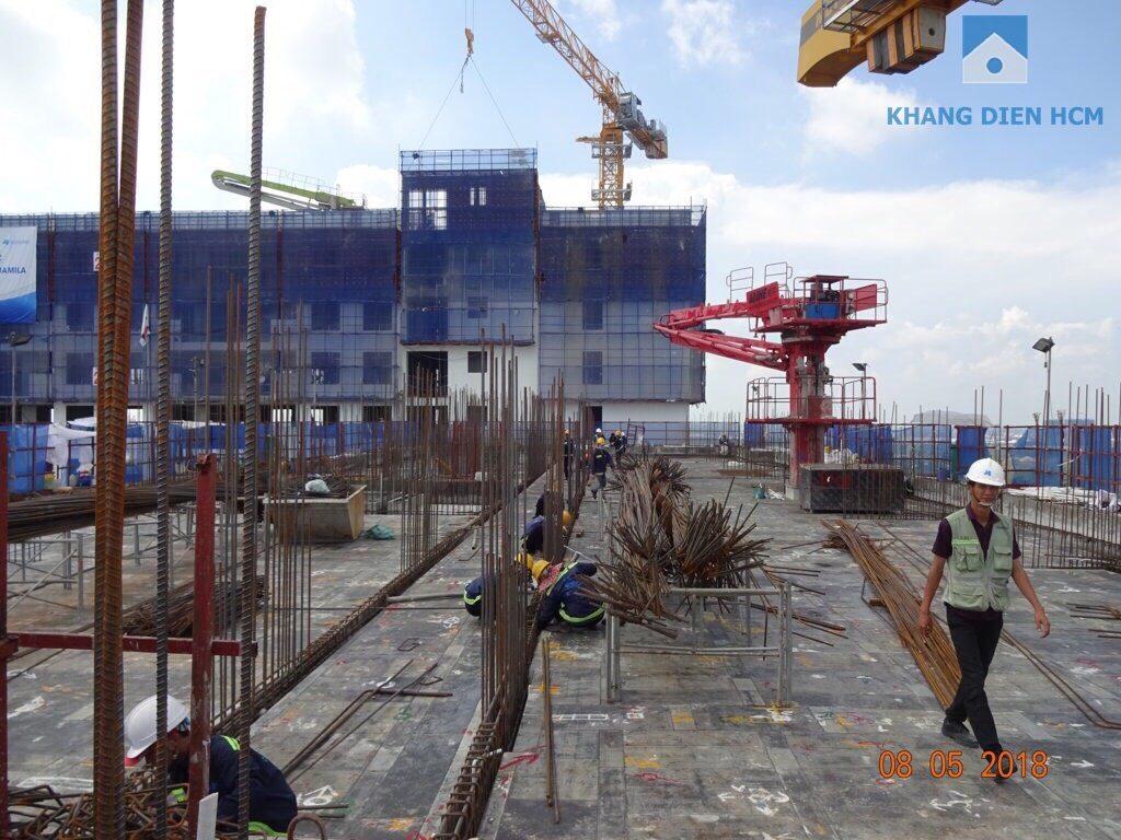 Phía bên trên Block A tầng 17 đang thi công khá rầm rộ - Khang Điền HCM