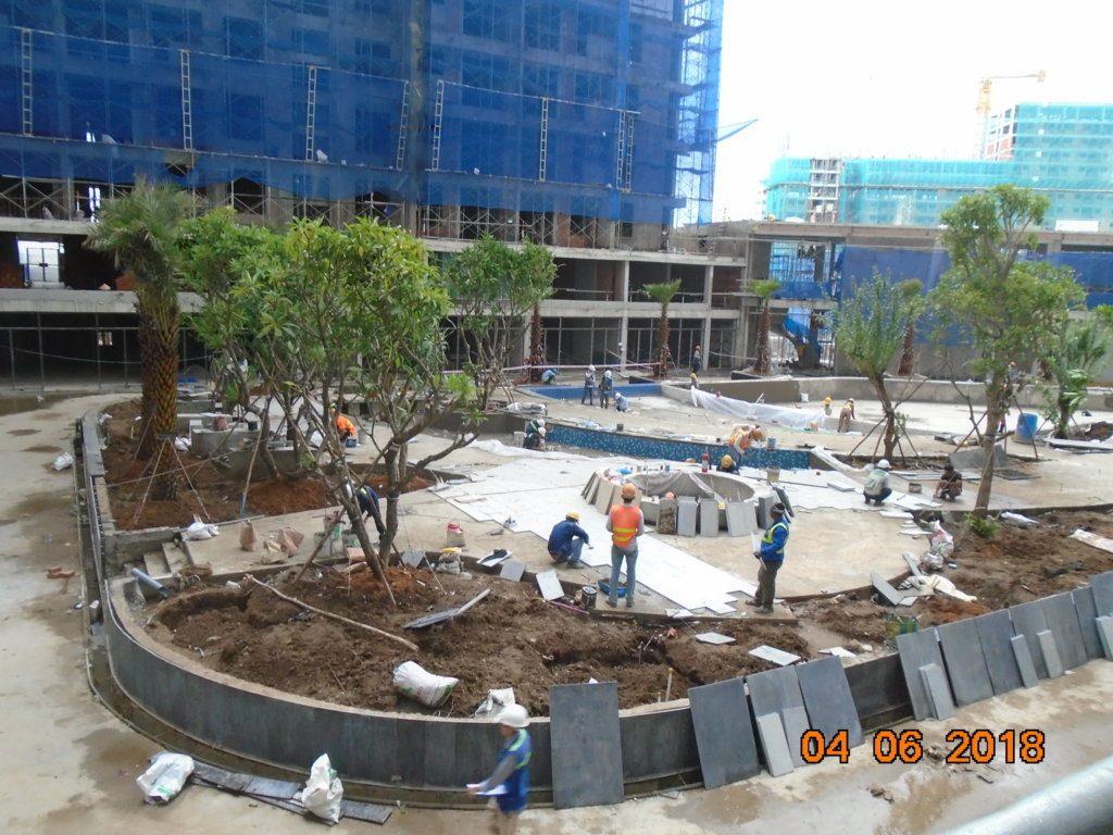Dự án Jamila với hơn 50 tiện ích nội khu, với điểm nhấn là hồ bơi tràn bờ và nhiều mảng xanh.