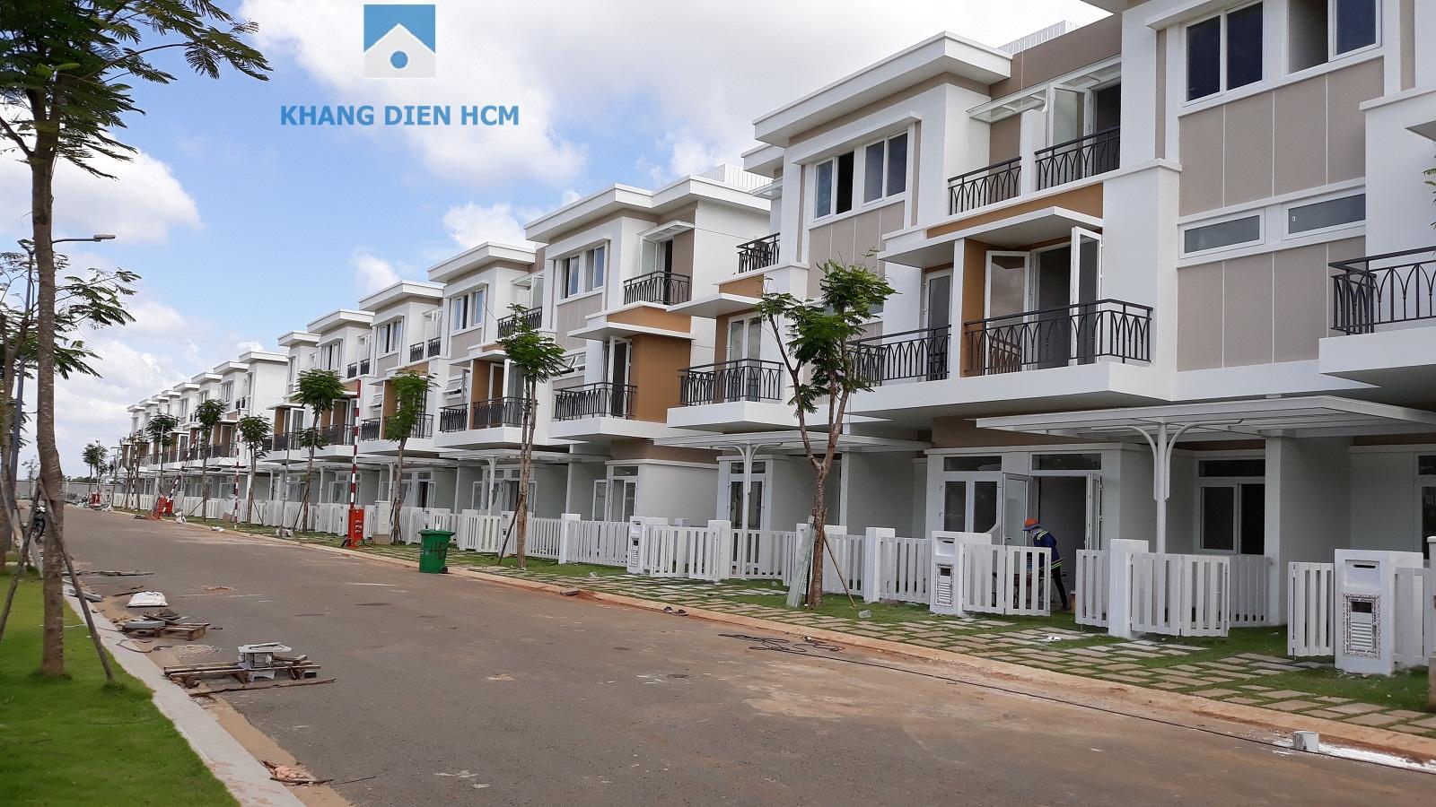 Block F hướng Đông Nam nhìn từ đường 30m vào,khách hàng có thể nhận nhà trước tháng 10/2018 - Khang Điền HCM