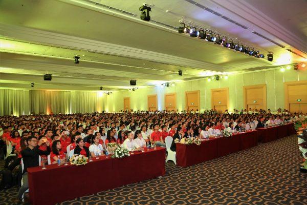 Hình ảnh các lãnh đạo của Khang Điền cùng các sàn phân phối chính thức và hơn 2000 nhân viên kinh doanh - Khang Điền HCM