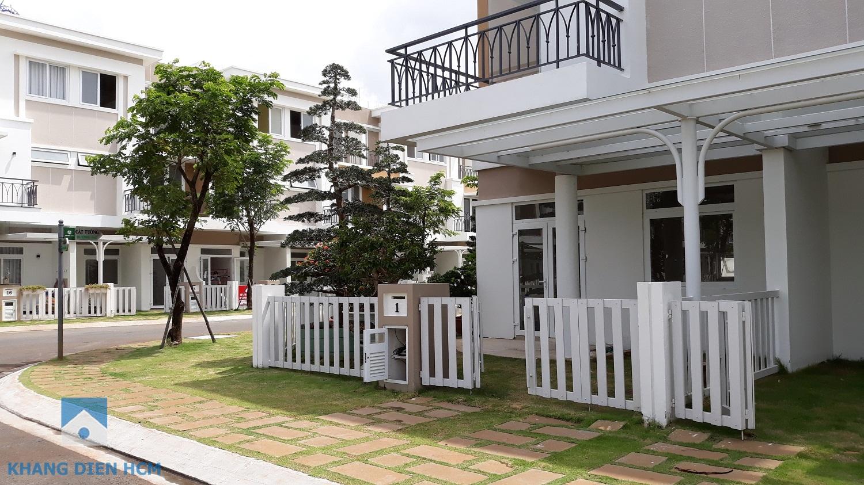 Một căn Góc đối diện công viên của Block K đang được chủ hộ hoàn thiện để về đây sinh sống - Khang Điền HCM