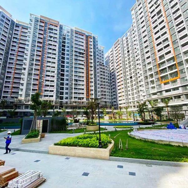Khu cảnh quan và đường đi bộ trông công viên nội khu đã hoàn thành - Khang Điền HCM