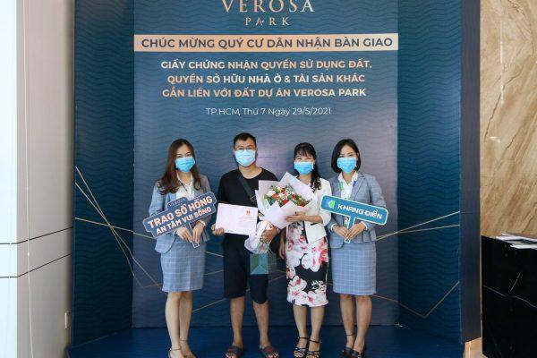 Cư dân Verosa Park Thành Phố Thủ Đức nhận Sổ hồng từ đại diện Chủ đầu tư Khang Điền - Khang Điền HCM