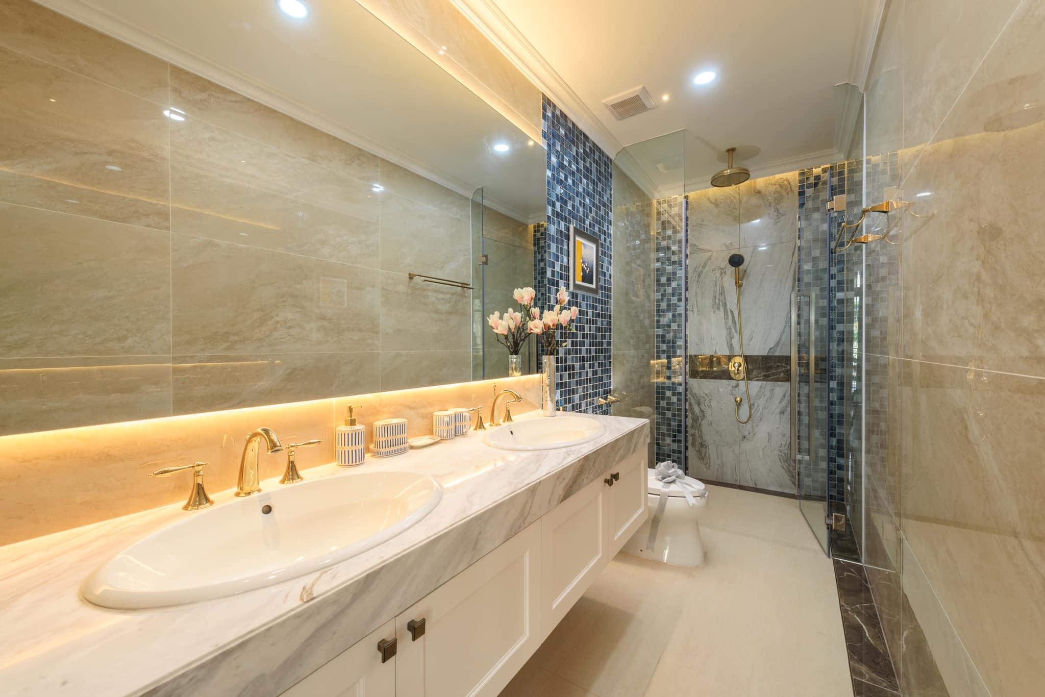 Phòng tắm kết hợp với Toilet cho chúng ta cái nhìn khác về cách thiết kế khu vực này - Khang Điền HCM